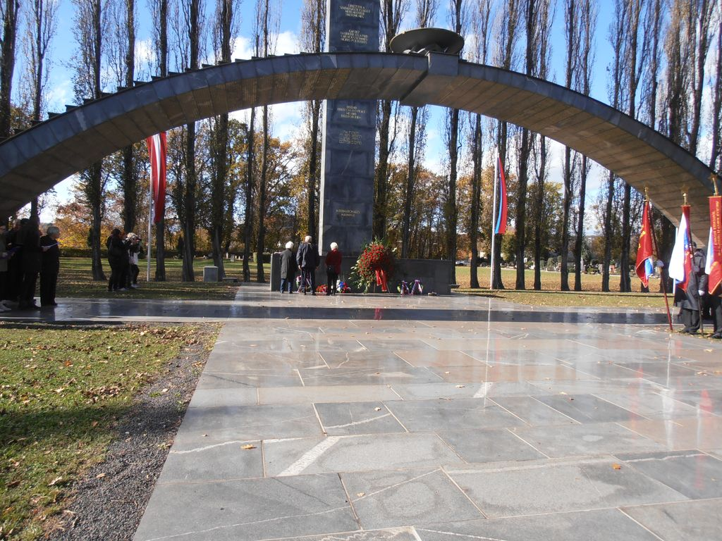 Veličasten spomenik v Gradcu.