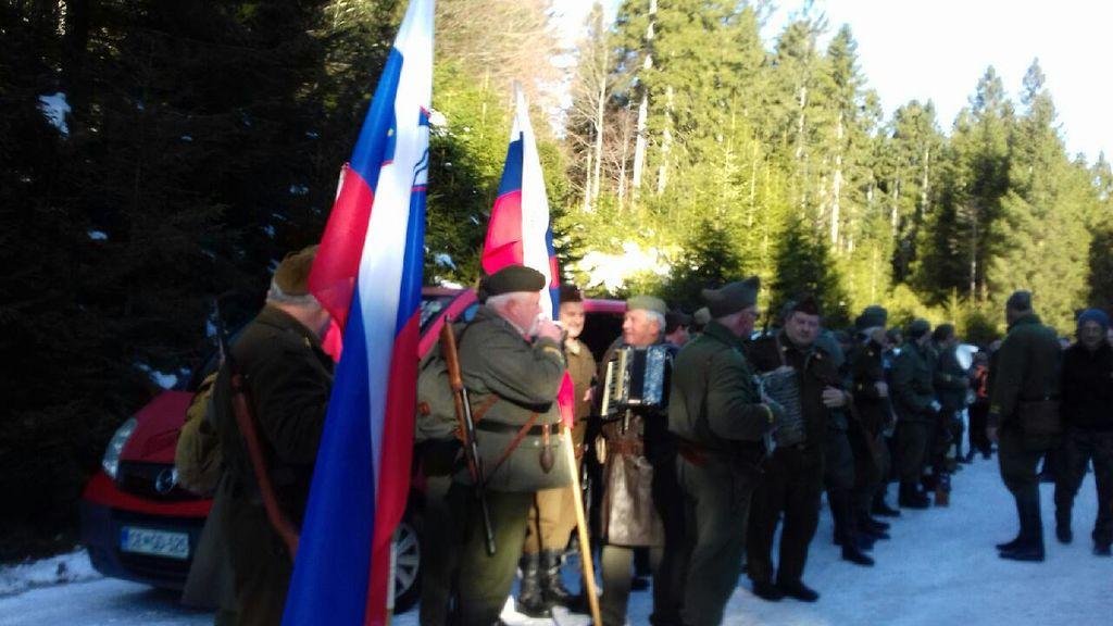Iz Zasavja, od koder je bilo doma nekaj borcev bataljona, prihaja spominska četa.