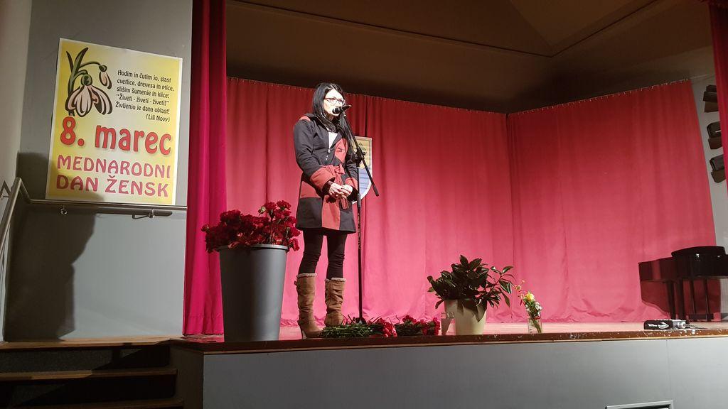 Govornica ddr. Ana Vovk Korže