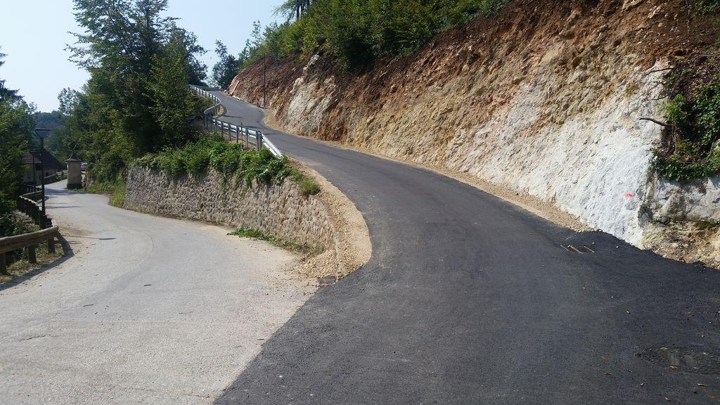 Prenovljena cesta na Spodnje Dobeno