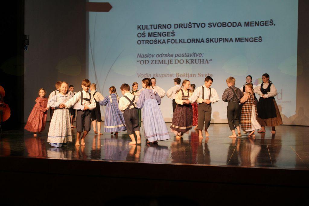 Otroška folklorna skupina Mengeš