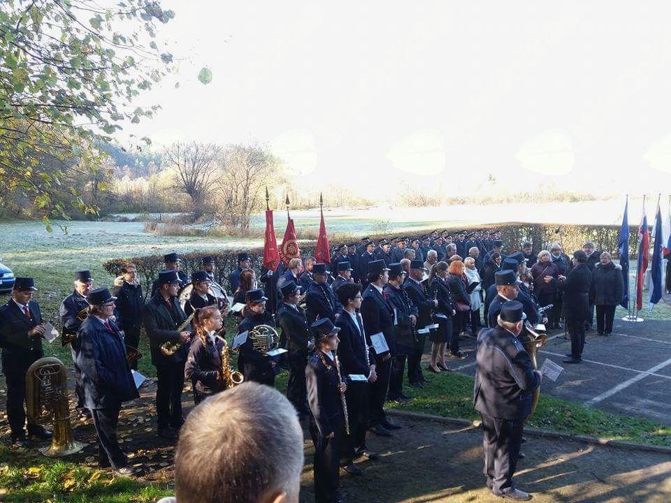 Mengeška godba na komemoraciji na Zalokah; foto. A. P.