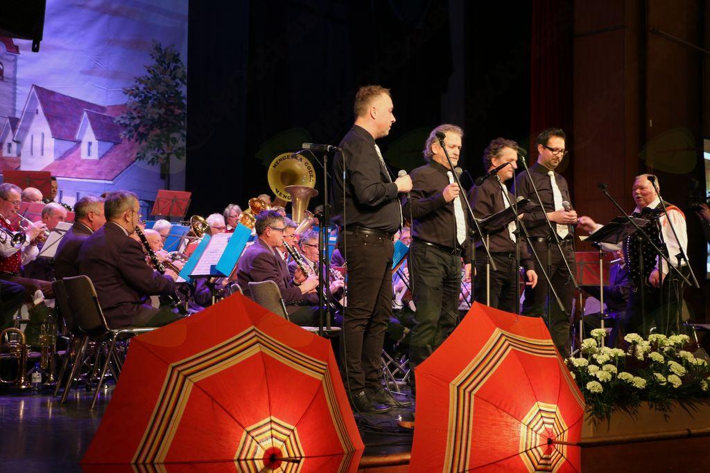 Z Veterani Mengeške godbe je zapel Kvartet Krt.