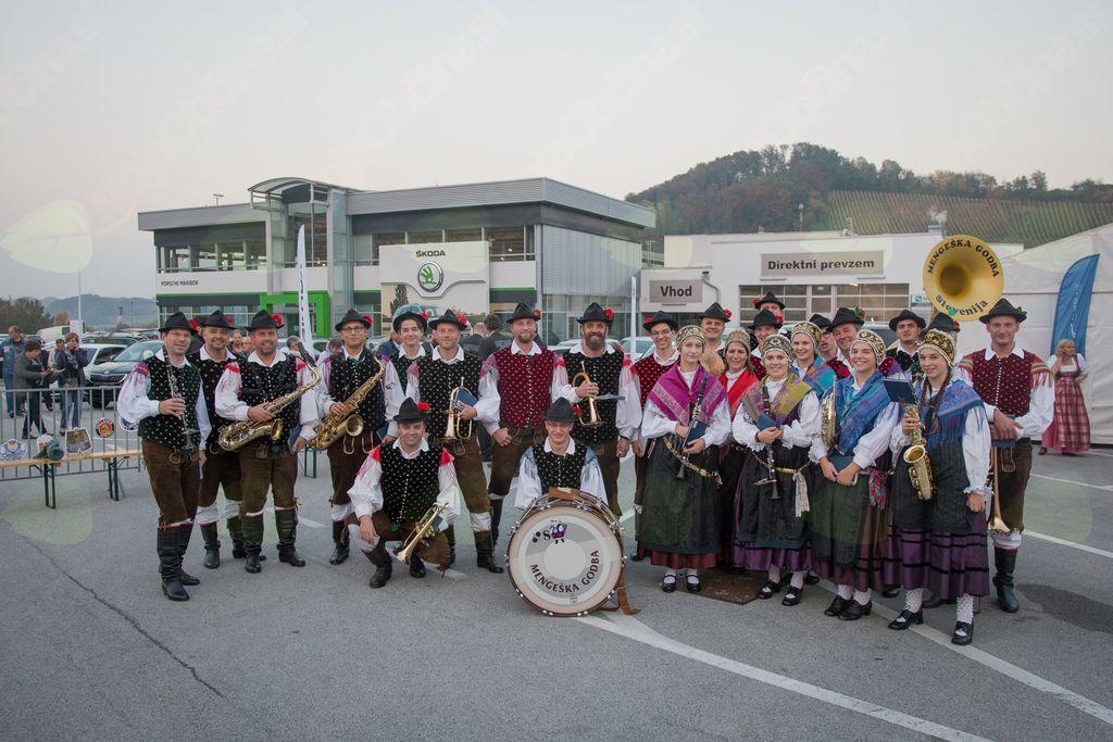Mengeška godba na Oktoberfestu v Mariboru. Foto: Porsche Maribor