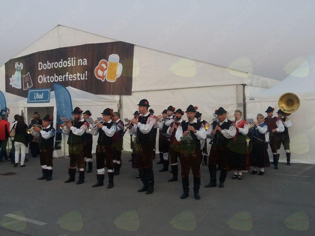 Mengeška godba na Oktoberfestu v Kopru. Foto: Ana Per
