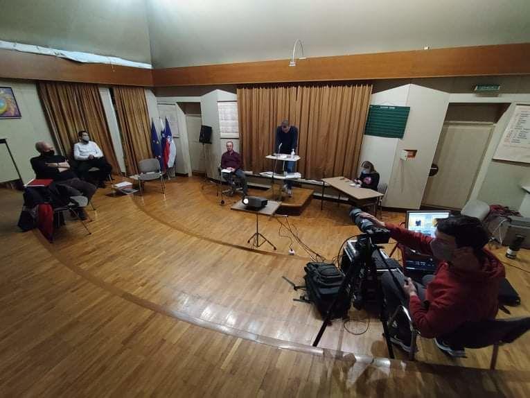 Delovno predsedstvo občnega zbora v godbenem domu.