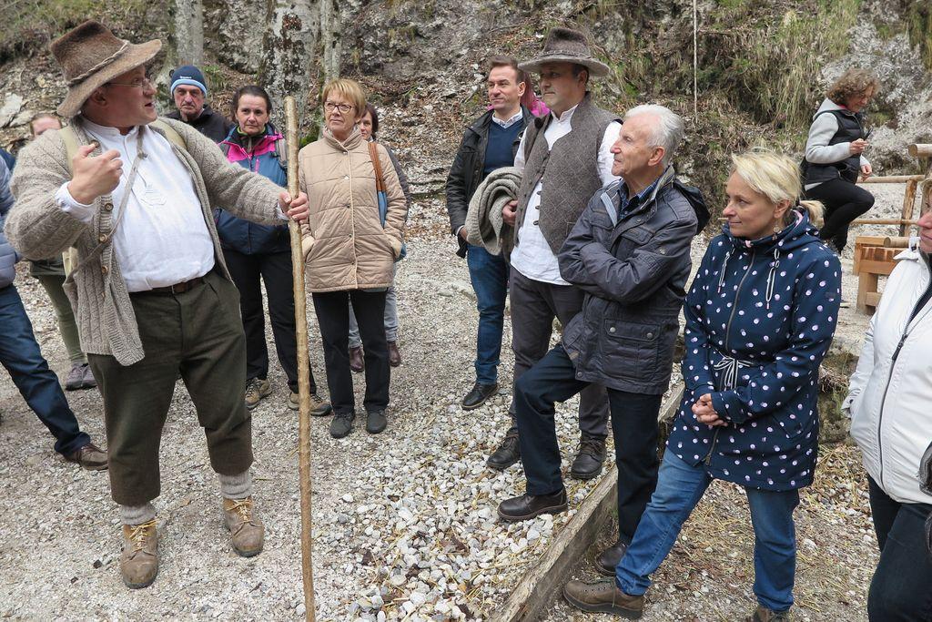 Srečanje s pastirjem Jernejem (foto Tina Vatovec).