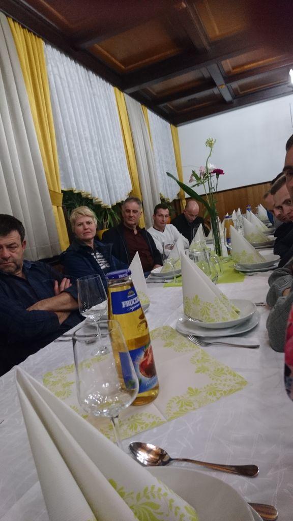 Zbor članov Društva gojiteljev buč velikank