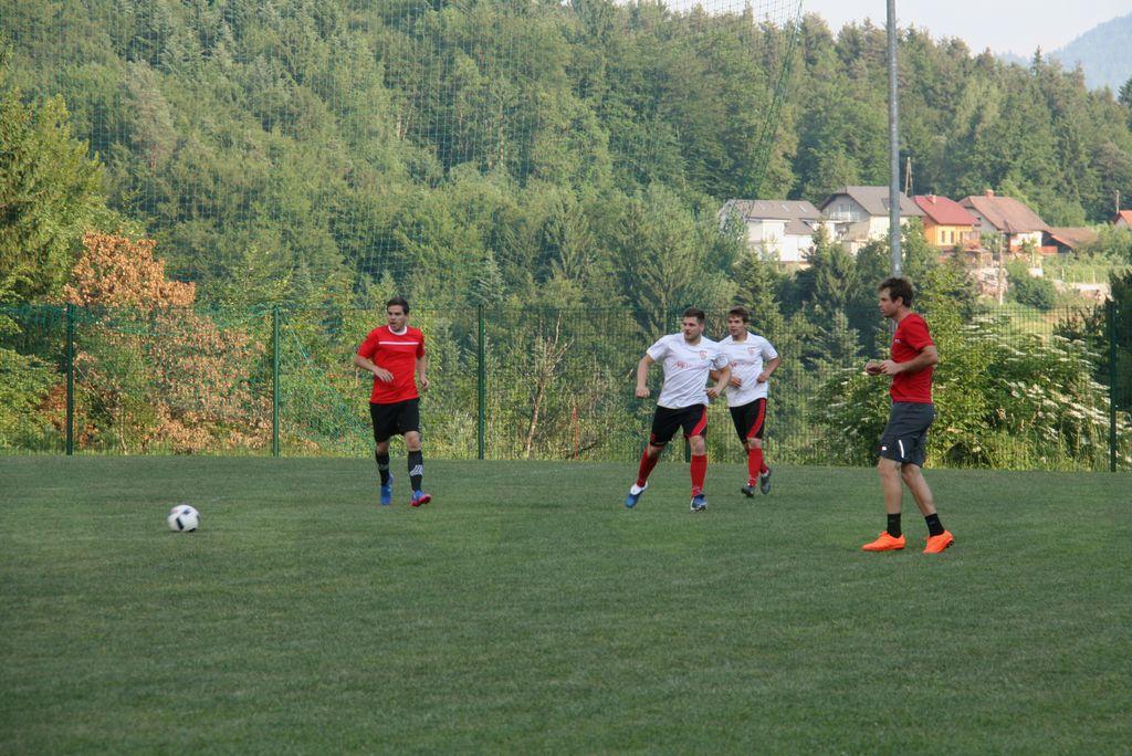 Veliki nogometni derbi v RCU Lukovica