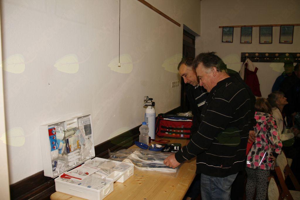 Uporaba AED je varna, enostavna in rešuje življenja!