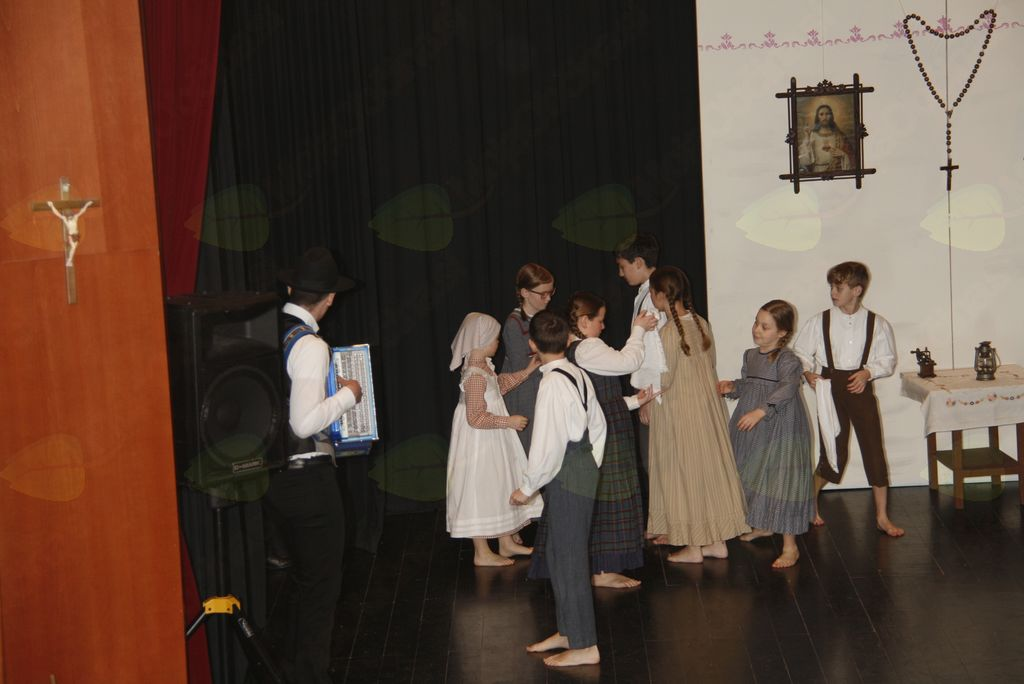 Iz roda v rod - 4. letni koncert Folklorno kulturnega društva Lukovica