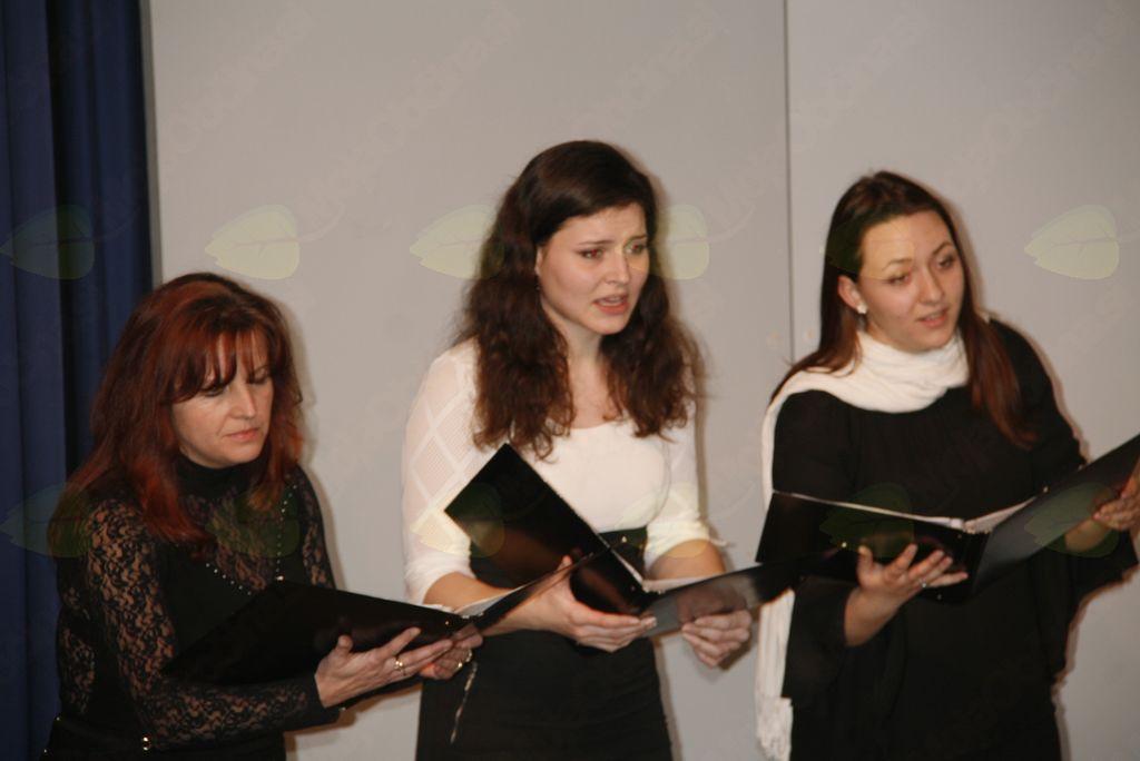 Ubrano petje številnih pevk in pevcev  v Lukovici