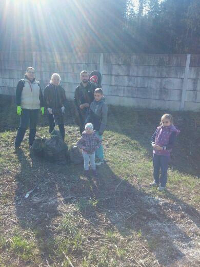 Člani in članice ŠKD Bregar očistili Trnjavo
