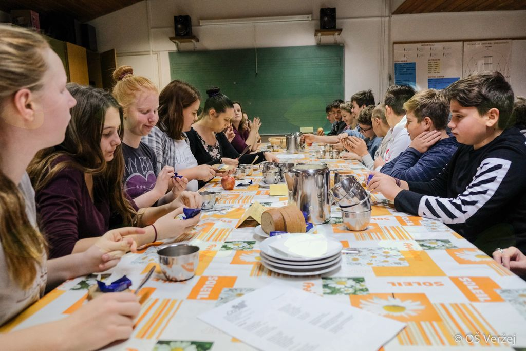 Tradicionalni slovenski zajtrk 2017