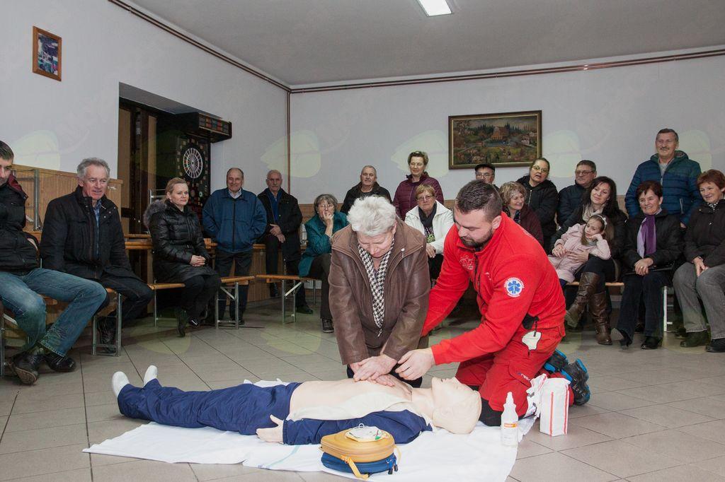Občina Veržej bogatejša za nov defibrilator