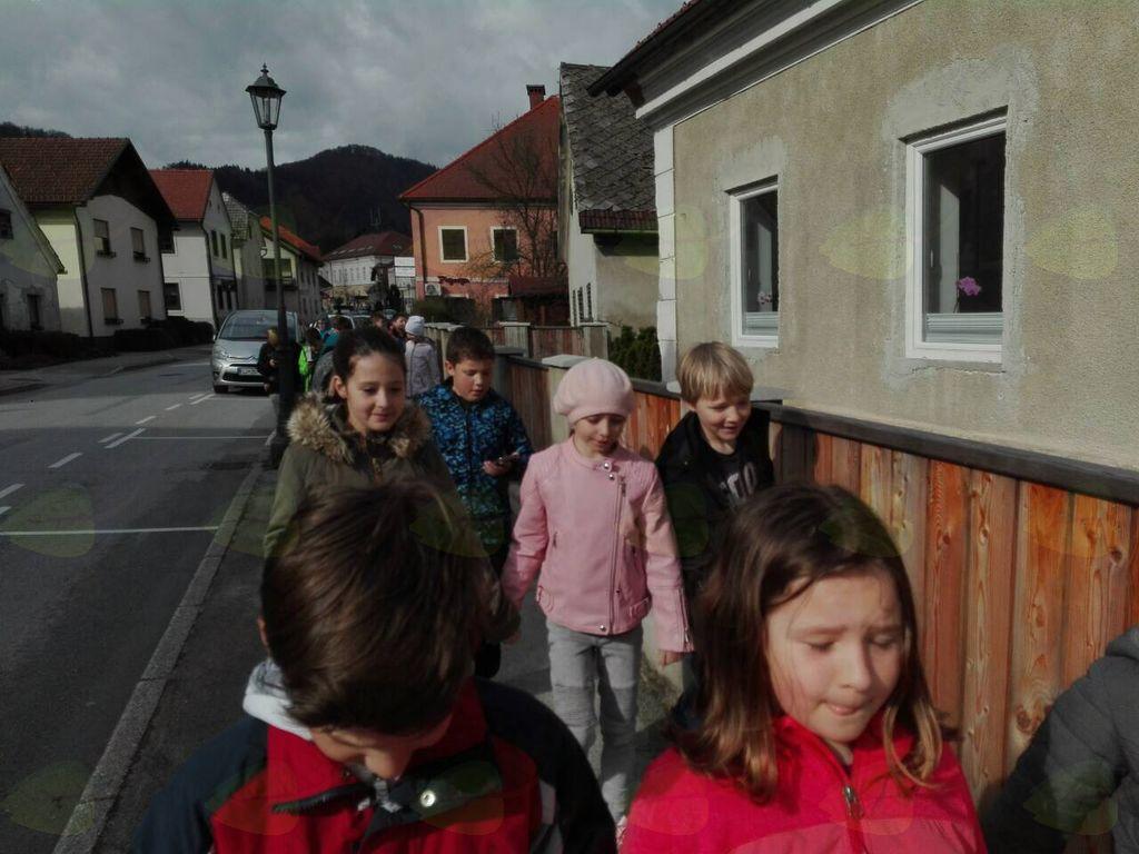 Tretješolci z mobilniki po Vranskem