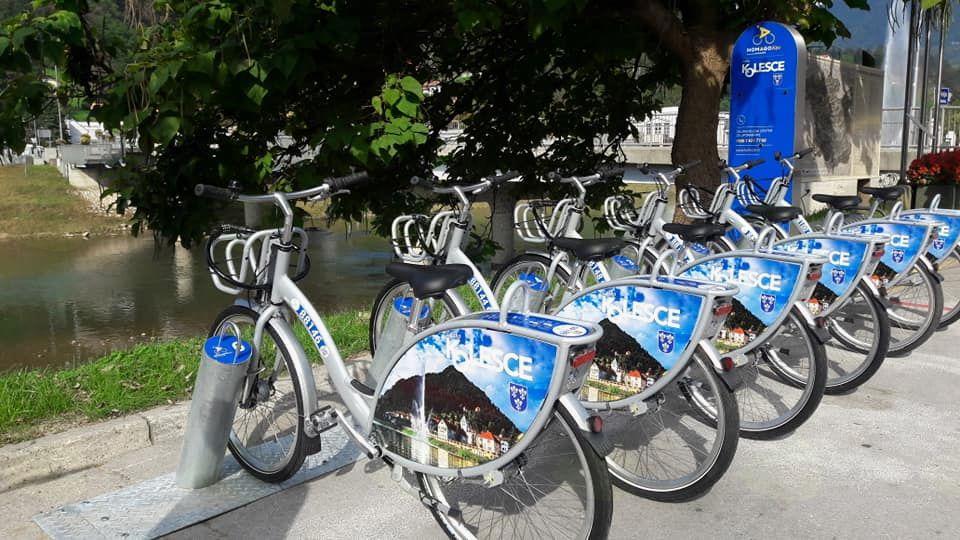 Reklamni video sistema izposoje javnih koles