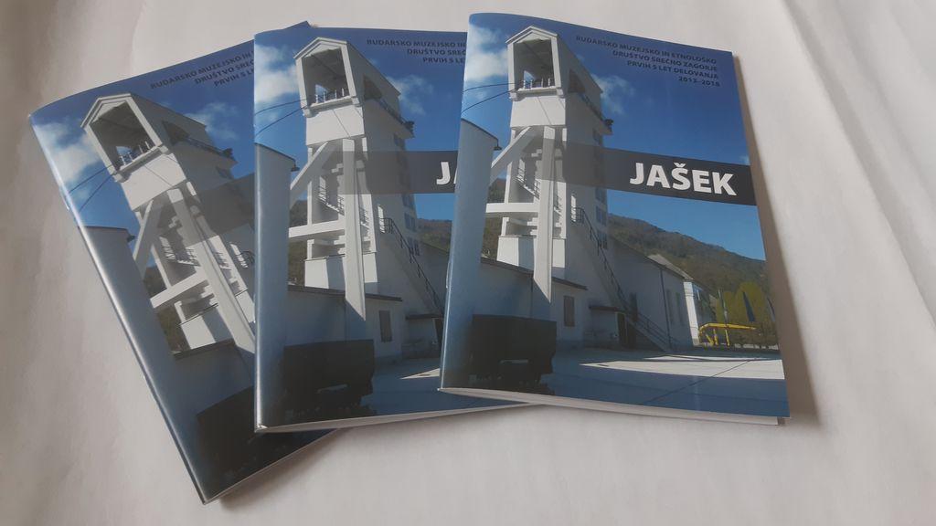 Društvo RMED SREČNO ZAGORJE je 5 let delovanja predstavil z brošuro z naslovom JAŠEK