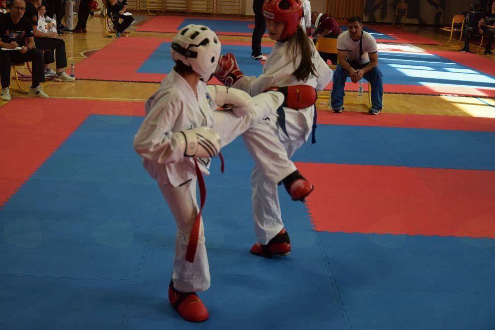 Taekwon-do: Pokal za najboljšo deklico na AHAC Cup