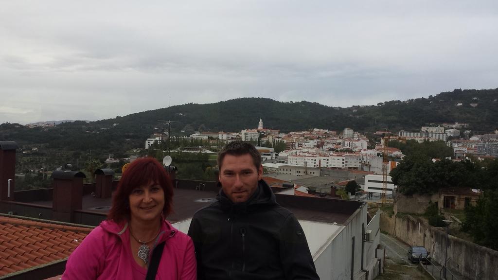Z GLAVO V OBLAKIH NA PORTUGALSKO