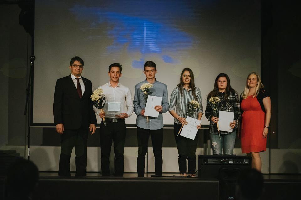 Perspektivnim mladim športnikom sta priznanja podelila Anja Rajher in Marko Drobnič. Foto: ŠZOK