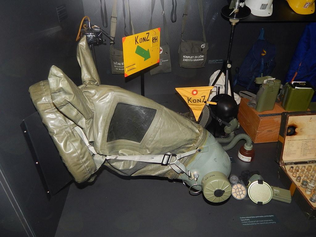 Konjska plinska maska