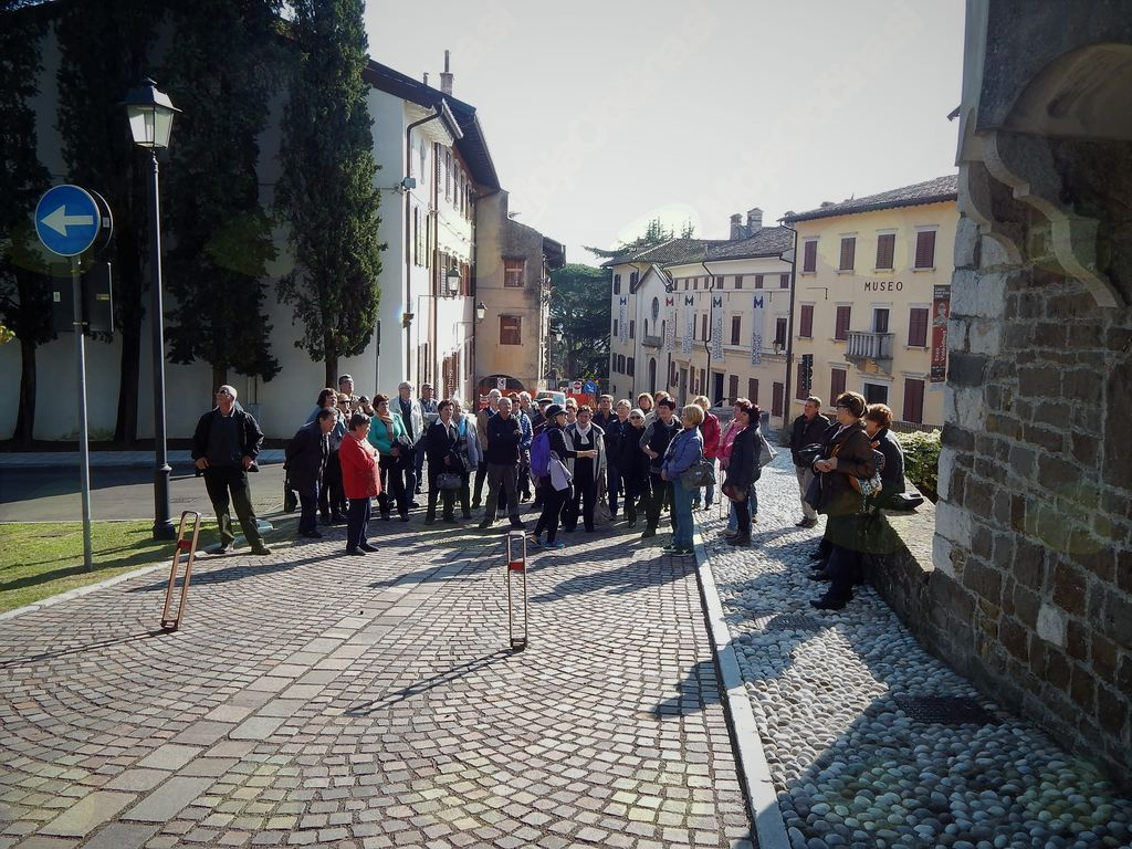 Pot na Goriški grad