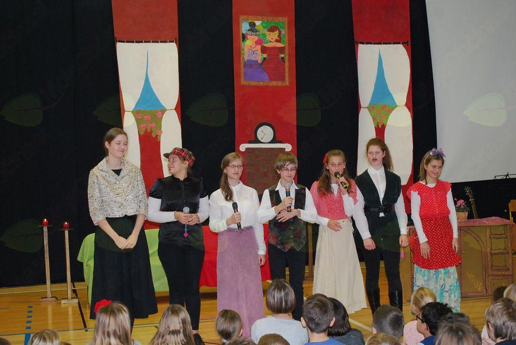 Prireditev z gledališko predstavo Velikaška norost