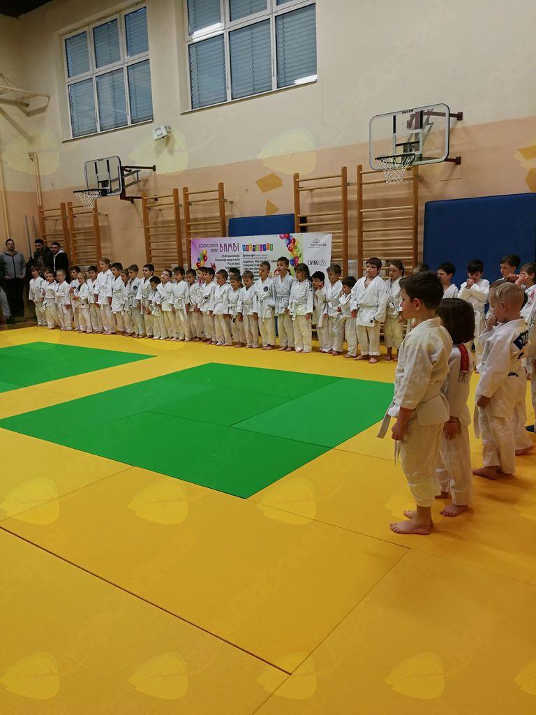 V Komendi tekmovali najmlajši judoisti iz vrtcev in šol sedmih različnih občin