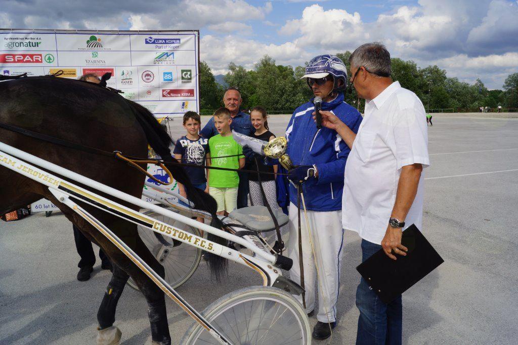 Kasaške dirke  v Komendi