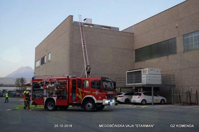 Medobčinska gasilska vaja v Poslovni coni Komenda