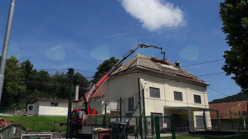 Sanacija strehe na vrtcu v Preserju