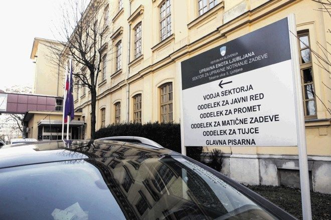 Naročanje strank in telefonske informacije v Upravni enoti Ljubljana