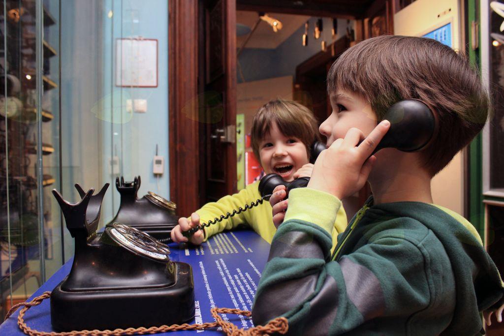 Trara, trara, pošto pelja! v Muzeju pošte in telekomunikacij