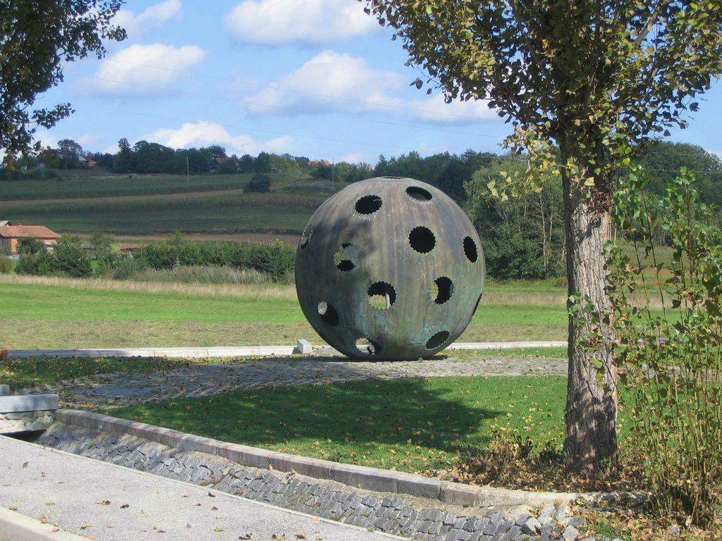Mednarodni arhivski tabor v Boreči in Ženavljah