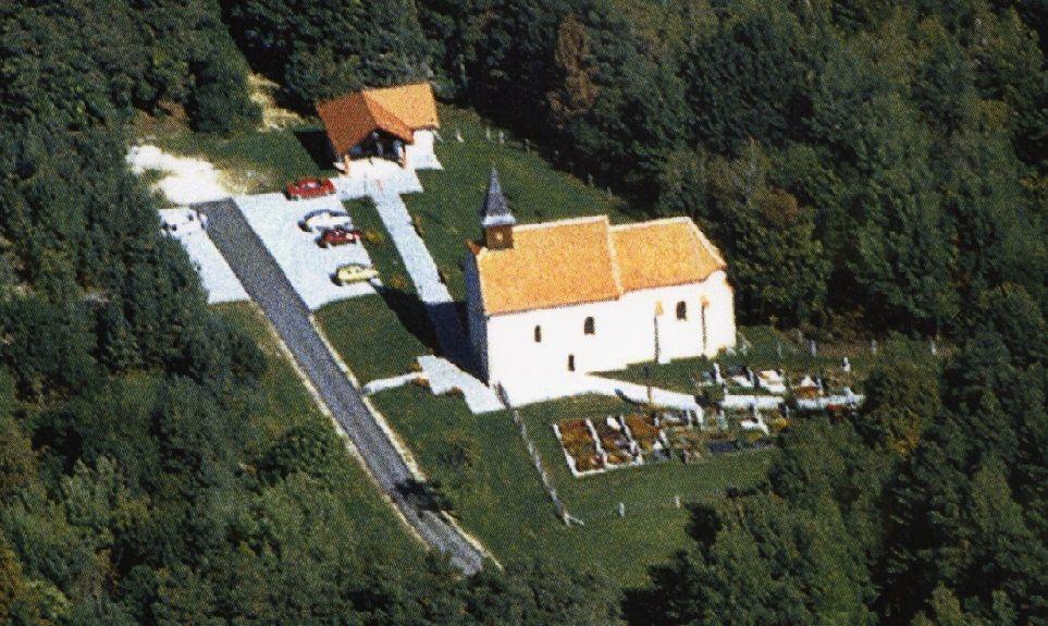 Proščenje z veselico pri cerkvi sv. Ane v Boreči