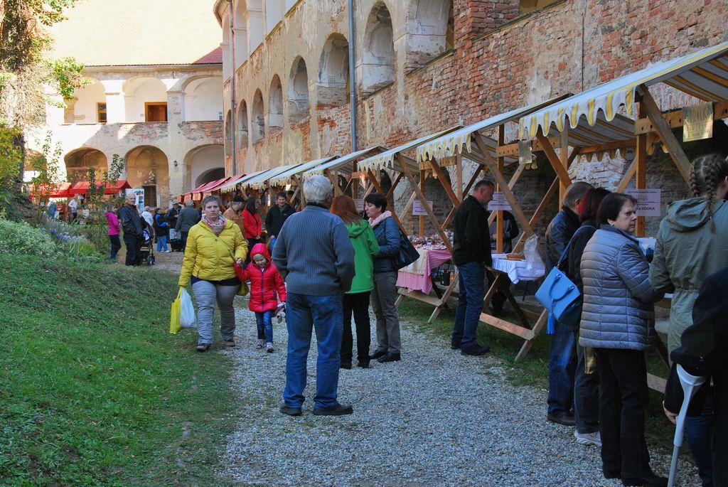 Grajski bazar z Goričkimi meštri