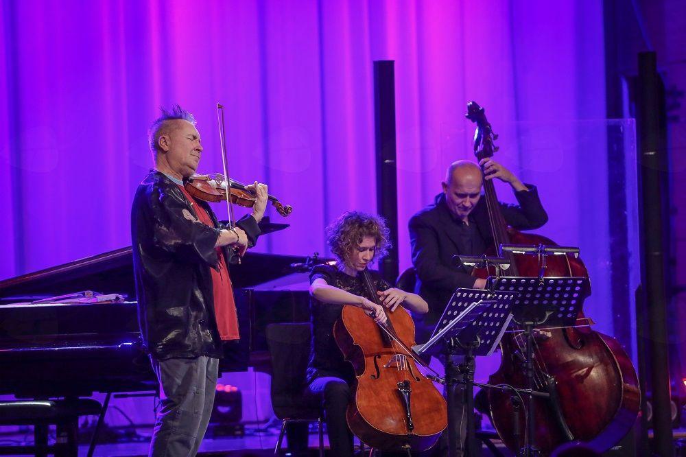 Virtuozni violinist Nigel Kennedy osupnil Unionsko dvorano