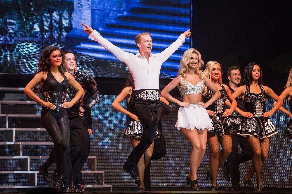 Lord of the dance z neverjetno energijo irskega plesa navdušili Stožice