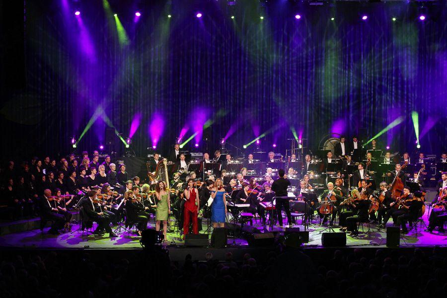 Bleščeča ženska imena slovenske glasbe na velikem cross-over spektaklu