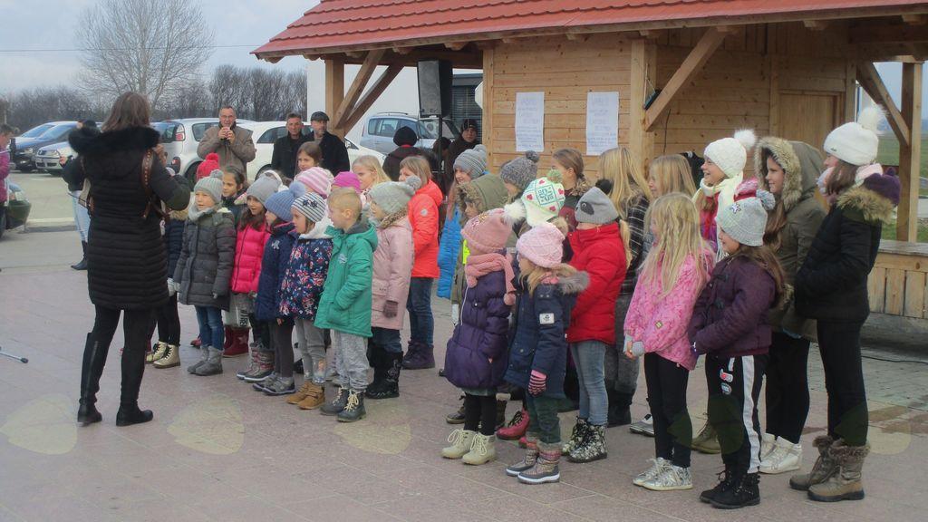 otroški pevski zbor OŠ Križevci