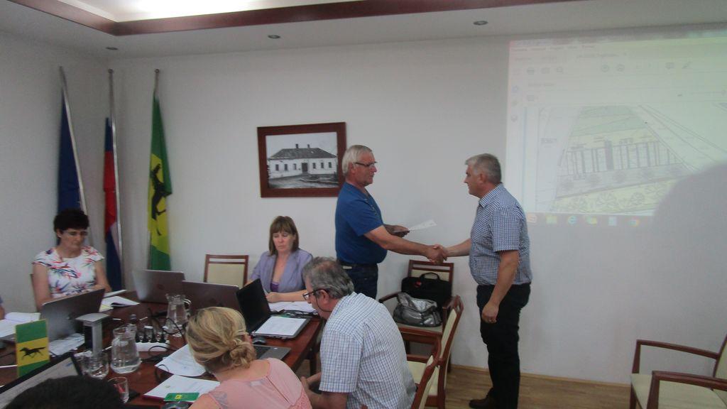 Svetniki so odločali tudi glede občinskih nagrajencev