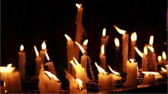 Praznik spomina na mrtve ali praznik prižiganja nagrobnih sveč?