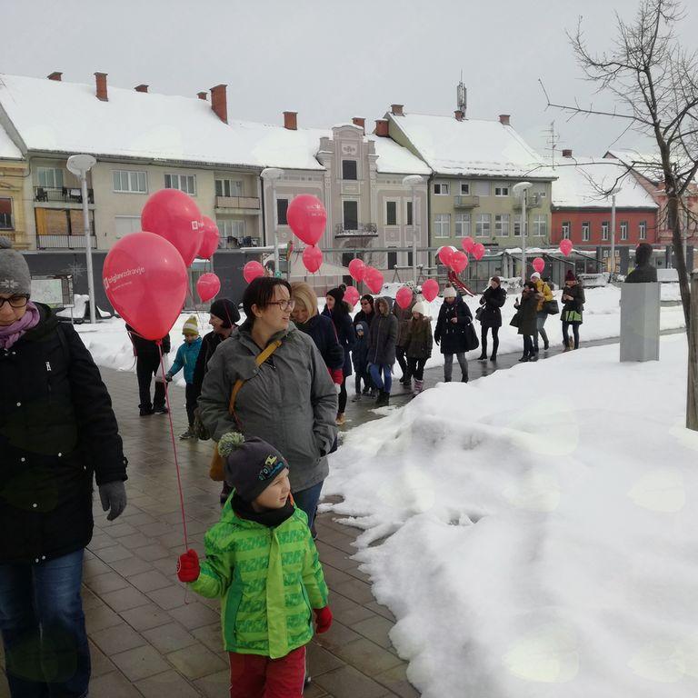 4. vseslovenski pohod z rdečimi baloni tudi v Ljutomeru