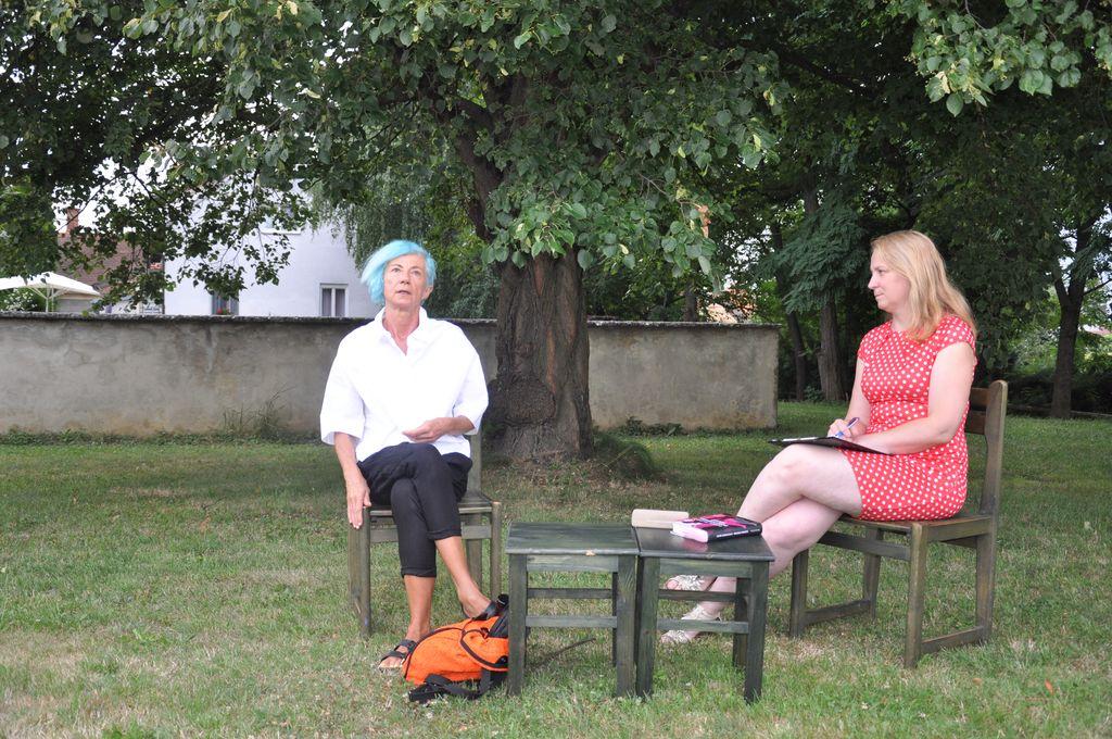 Pogovor s pisateljico Suzano Tratnik