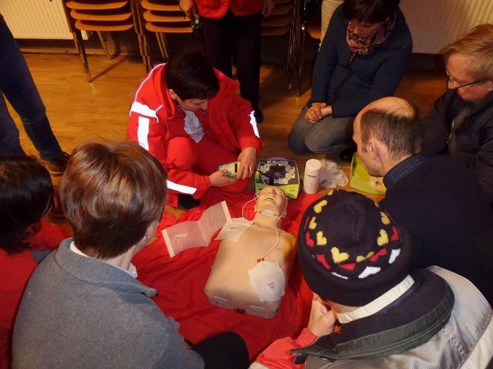 Uporaba defibrilatorja