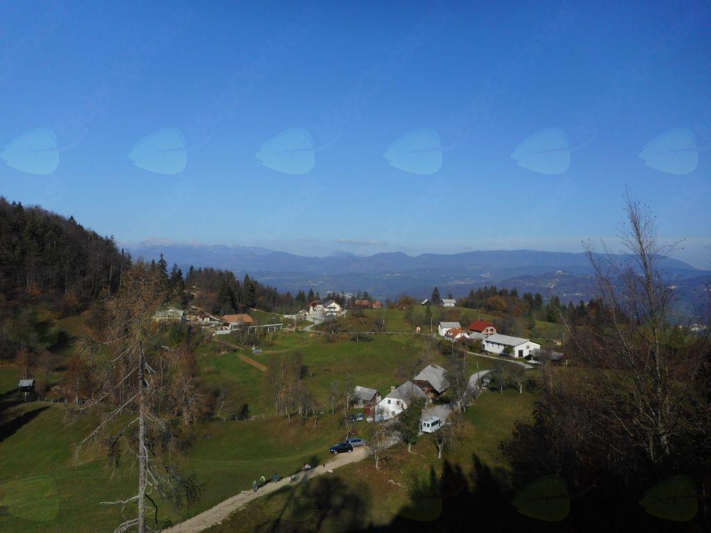 FOTOREPORTAŽA : Mladi planinci PD Podpeč Preserje na poti od Murovice do Sv Miklavža 17.11.2018