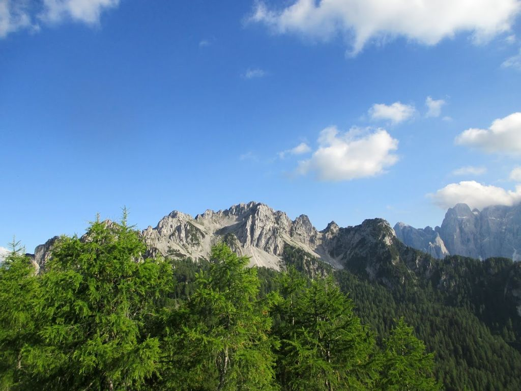 Planinski izlet na Kamnitega lovca