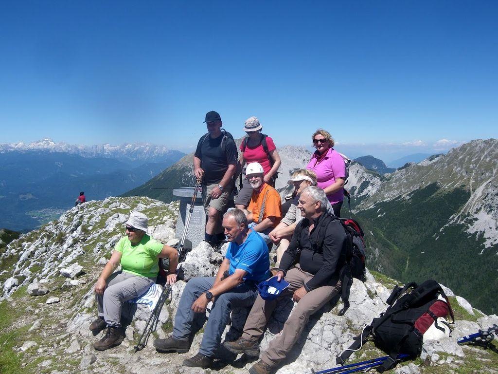 Planinski pohod z veterani na Begunjščico