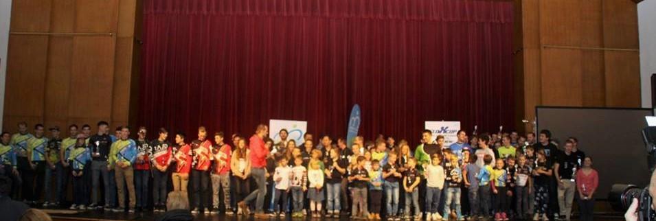Udeleženci zaključne prireditve slovenskega pokala v gorskem kolesarstvu v letu 2016